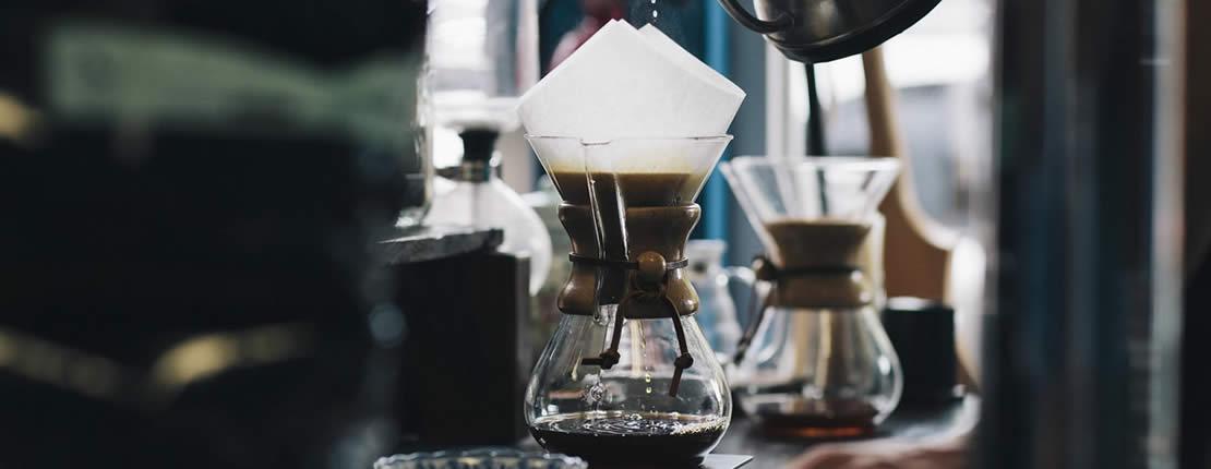 Kaffee mit dem Handfilter aufbrühen